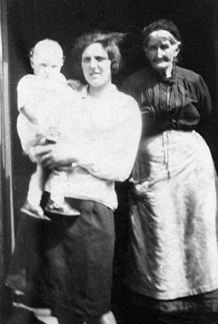 Elspeth & Elsie Finlayson
