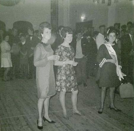Gala Queen in the Victoria Hall