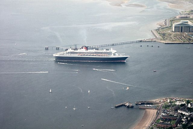 Aerial pic of QM2