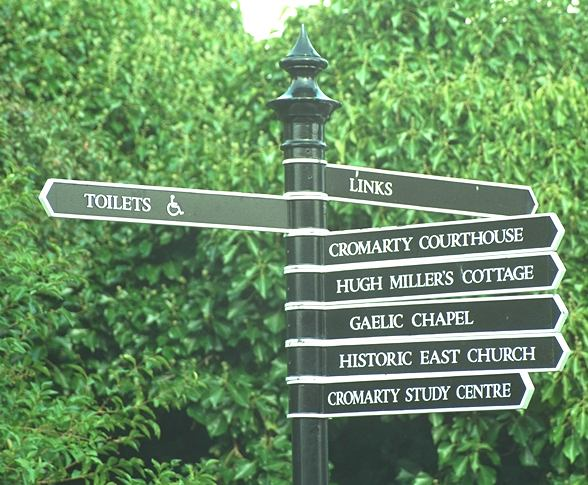 Signpost at east end of Shore St - 1998
