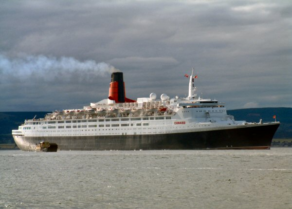 The Cromarty Rose and the QE2