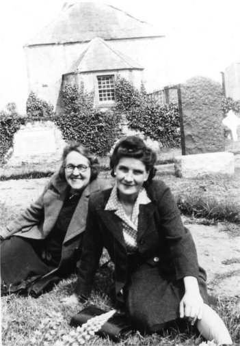 Two ladies at the Gaelic chapel