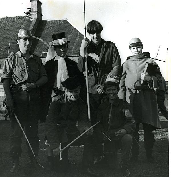 Robin Hood & Merry Men - 1968 Gala