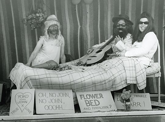 John and Yoko - Gala - 1969