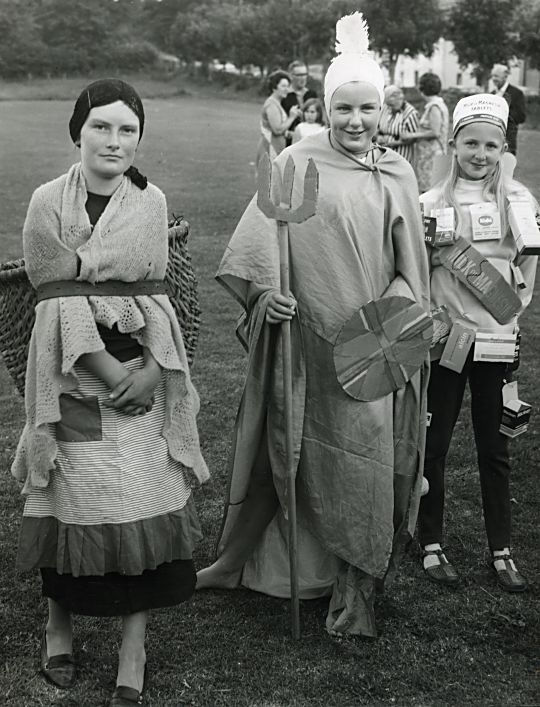 Fancy Dress - Gala - 1969