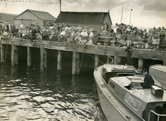 Crowd on Harbour - 1960