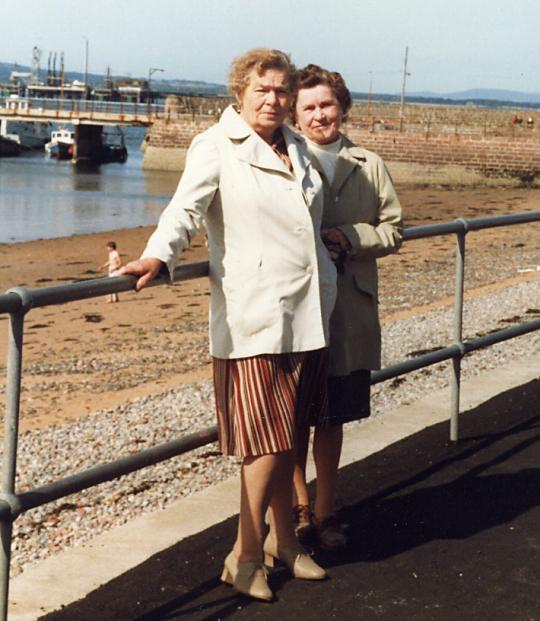 Annie Davie & Lil Benson - 1981