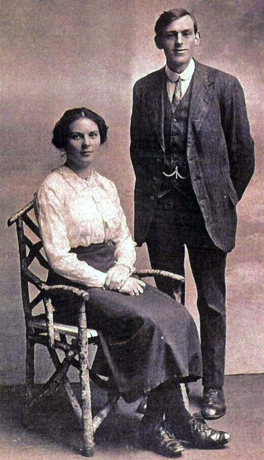 William & Rosina Watson (nee Doull) - c1919