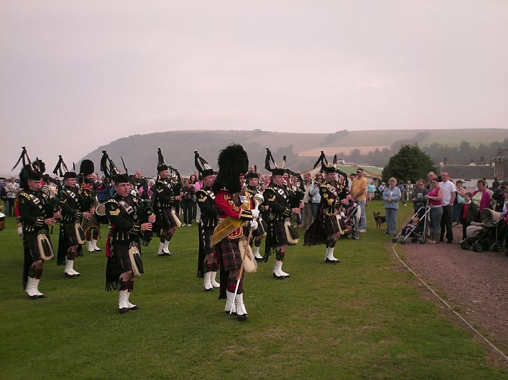 Pipe band on the links
