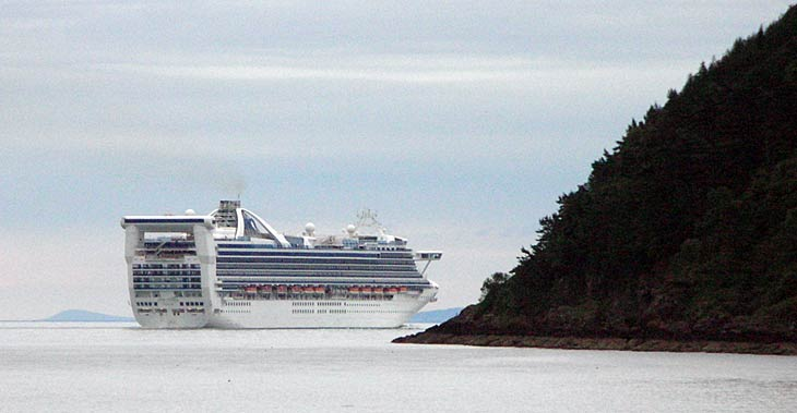 Grand Princess cruise liner in the Cromarty Firth