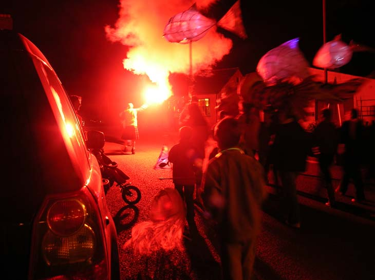 Bonfire Night 2007 - Torch-lit procession begins