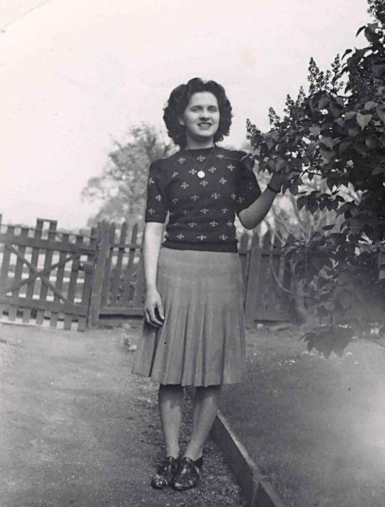 Catriona Gilles - c1945