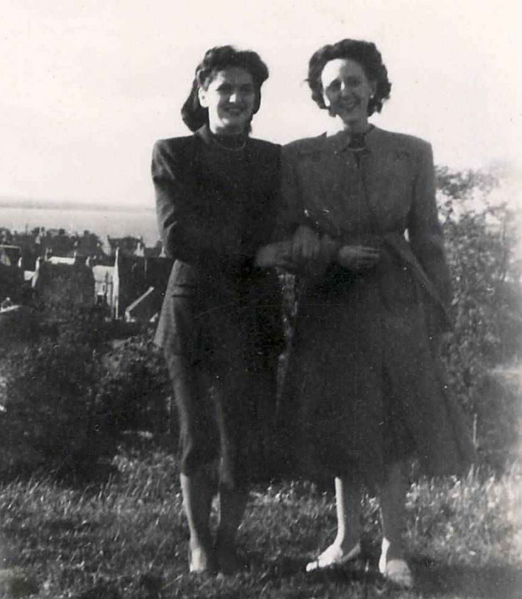 Catriona Gilles and Kathleen Lewis - c1945