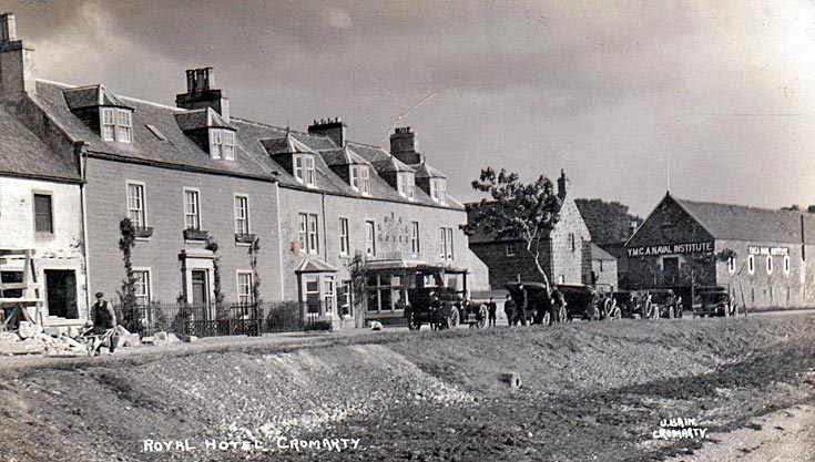 Royal Hotel - with cars and building works c1920