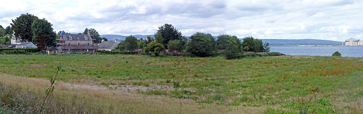 Field adjacent to The Kennels and Bowling Green - allotments anyone?