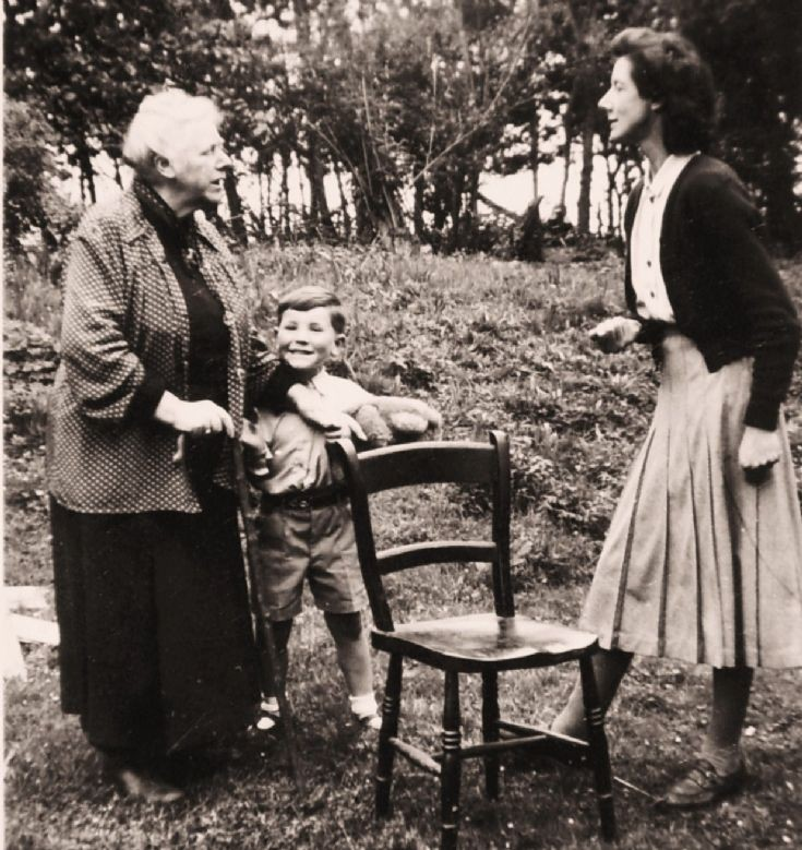 Mrs. E.A.A. Guise with her daughter Kitty Hart and grandson Christopher at Woodside. c. 1953