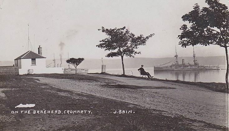 On the Braehead, Cromarty - c1910