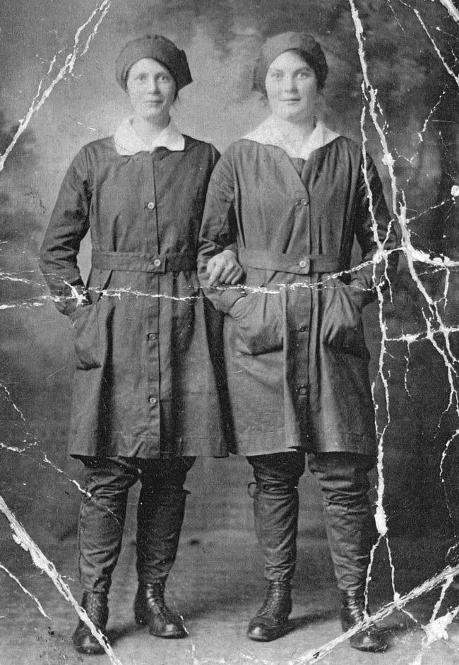 Rosina and Mary Doull c1917