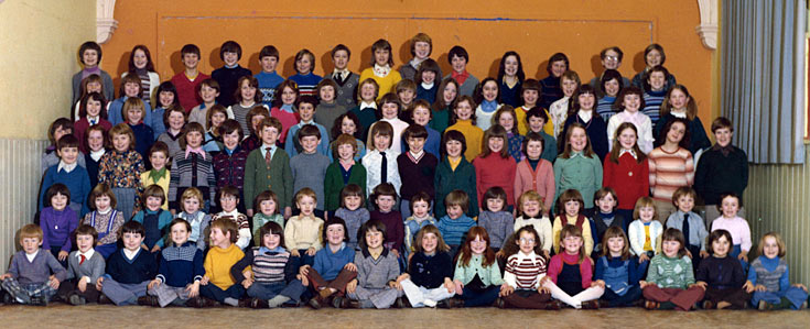 Cromarty Primary School - Classes of 1977