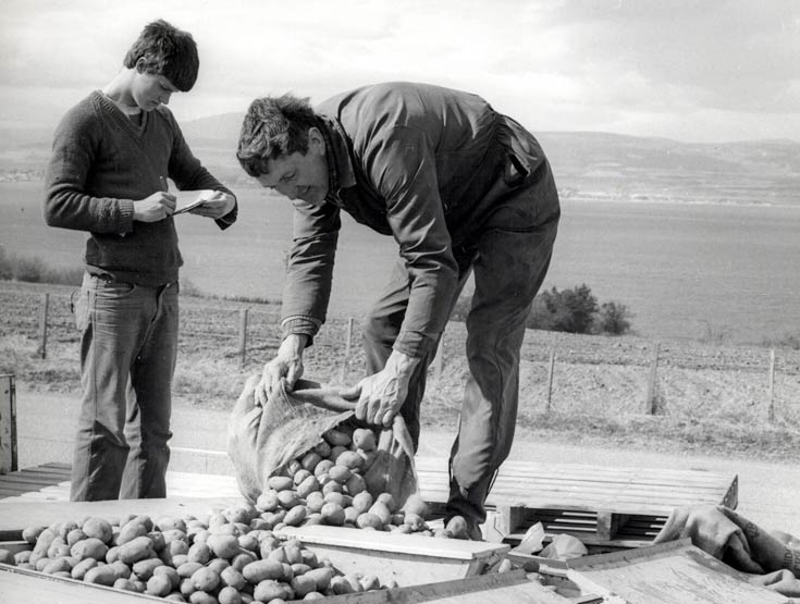 Stuart Hill and Sandy Sinclair at Rosefarm