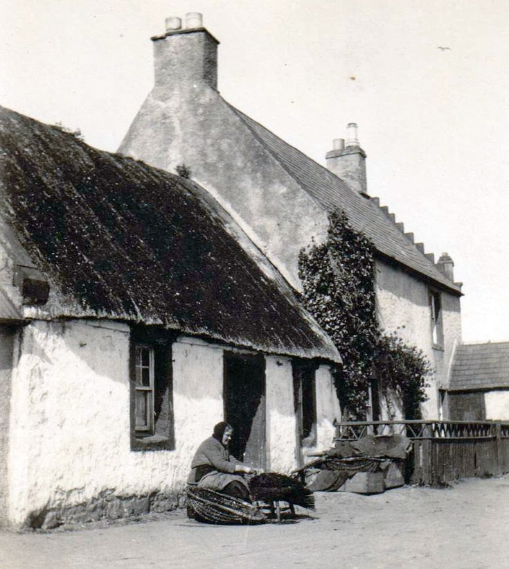 Fishwife on Shore St - c1932ian