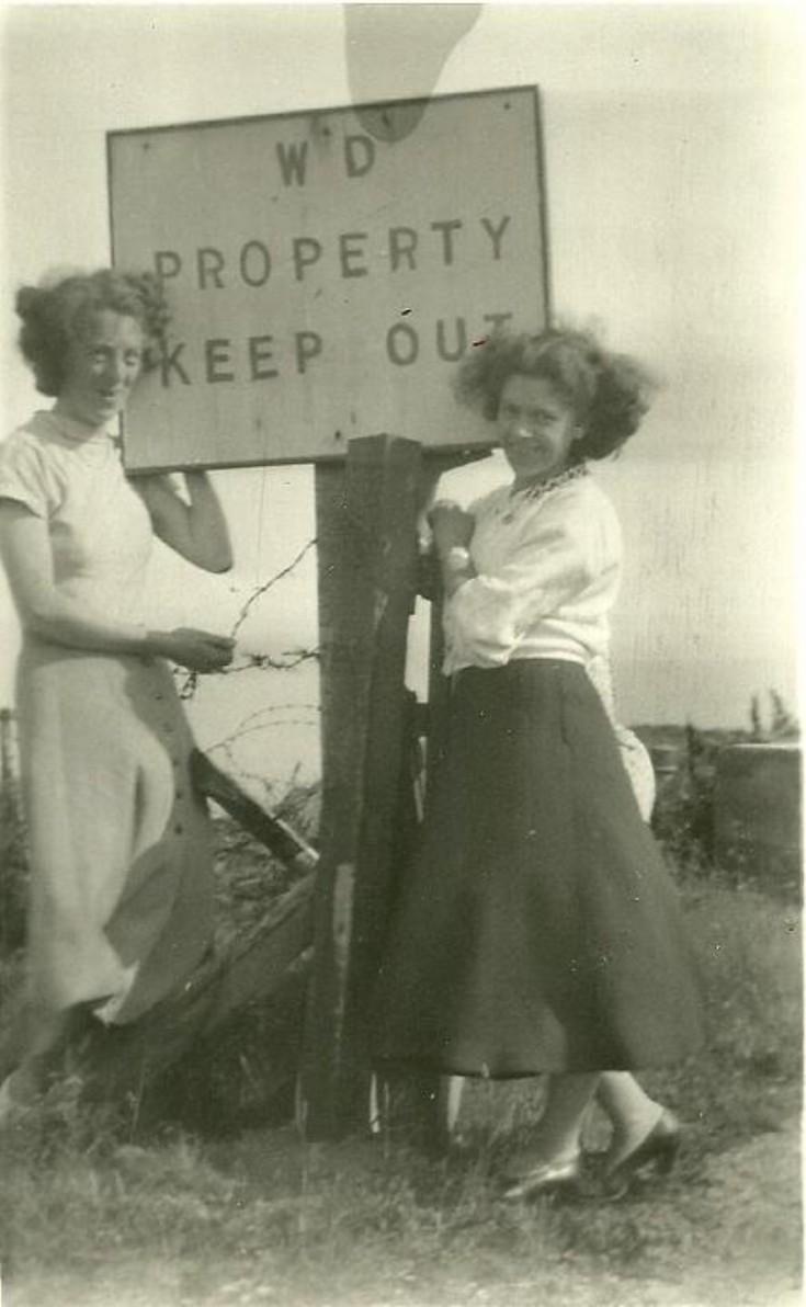 Mina Robertson and Tot Shand on south sutor picnic c1955