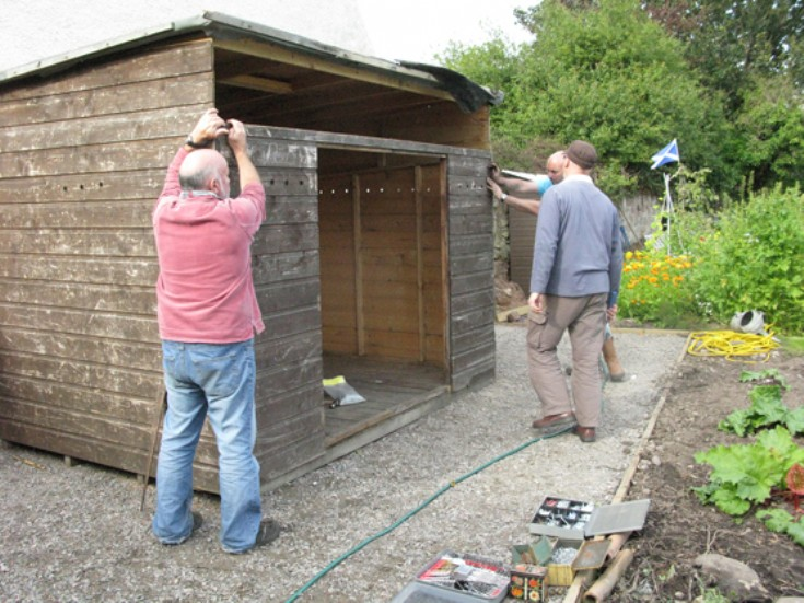 Cromarty Allotments Shed - The roof is on . . .