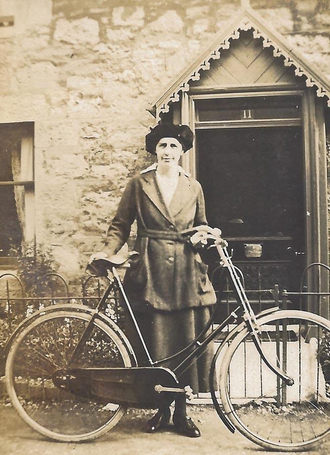 Margaret Hossack, 2 Chalkhill Smithy