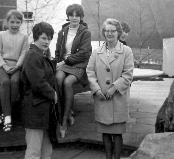 Cynthia Bain, Jenny MacDonald, Caroline Bain, Margaret Bain and Jackie Bain in Aviemore