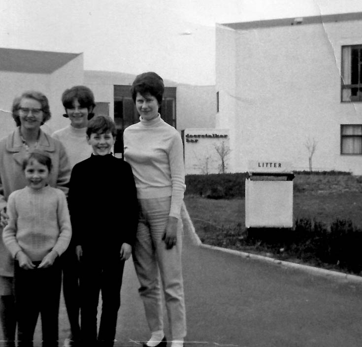 Margaret, Cynthia, Caroline and Jackie Bain with Jenny MacDonald in Aviemore