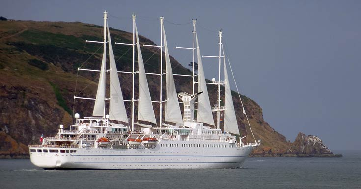 Windstar Cruises 'Wind Surf' cruise ship leaving the Cromarty Firth