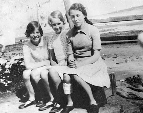 Three girls - c1932