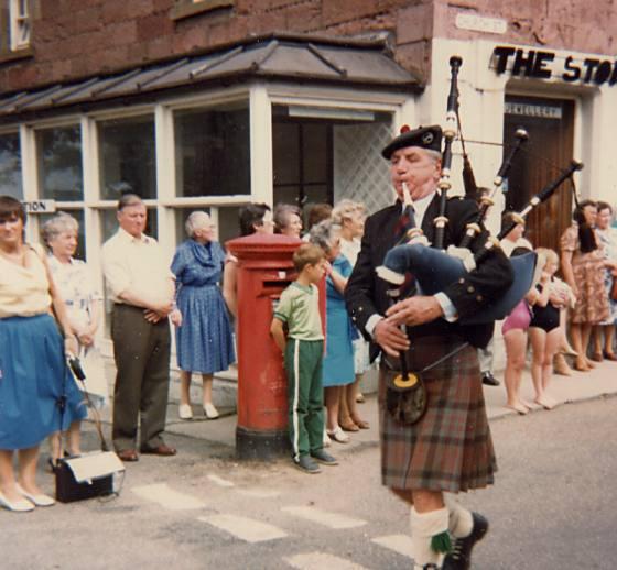 Piper at dedication of Plaque - 1983