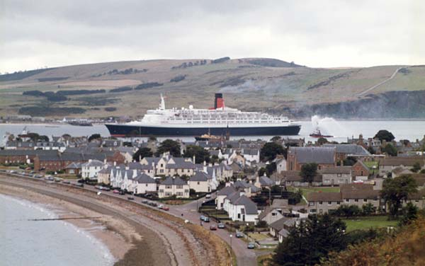 The first QE2 visit to the Cromarty Firth