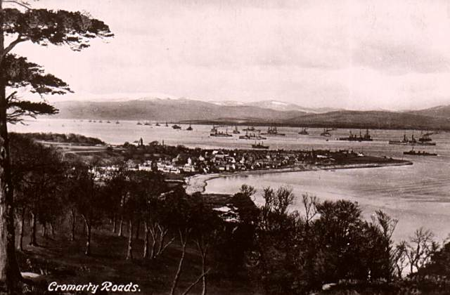 Postcard titled 'Cromarty Roads'