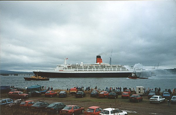 The QE2 from Braehead - 1994