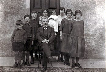 Couper family - c1923?