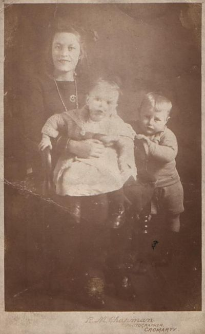Elsie, Jean and Donald Hogg - c1922