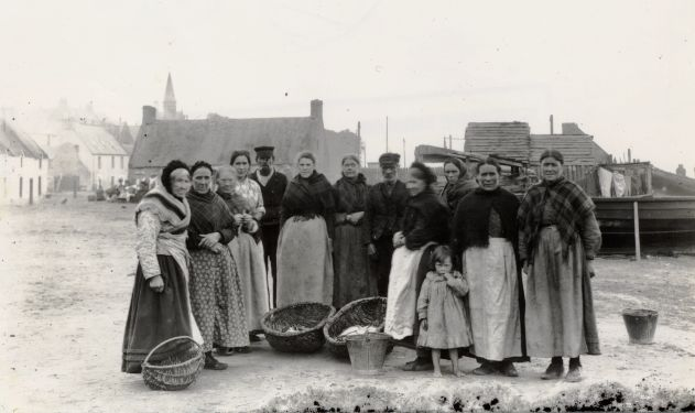 Fish market on Shore St - c1902??