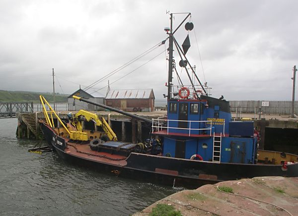 Dredging the harbour - 23 Jun 2004