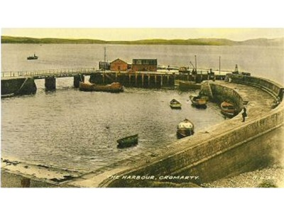 Hand Tinted Picture of Harbour